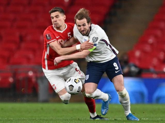"""ĐT Anh thắng nhọc Ba Lan: Harry Kane hóa """"Vua phạt đền"""", bắt kịp kỷ lục Rooney"""