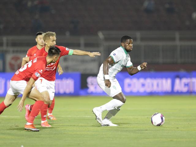 Trực tiếp bóng đá TP.HCM - Bình Định: Đội khách có bàn thắng thứ 3