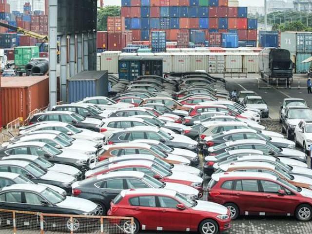 Ô tô nhập tăng đột biến, giá hơn 460 triệu đồng/chiếc