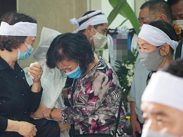 Người thân khóc nghẹn trong đám tang 4 nạn nhân tử vong sau vụ cháy ở Hà Nội