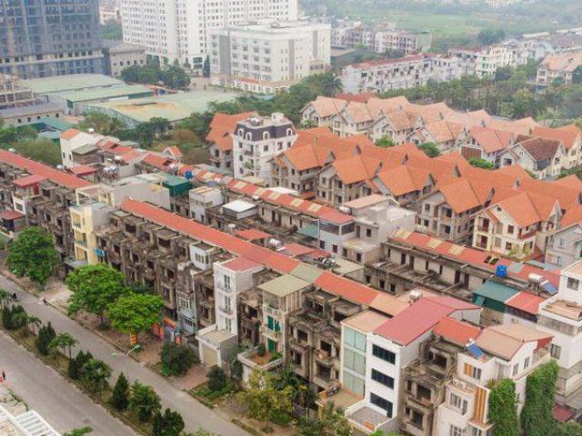 Khu đô thị Vân Canh: Nhà bỏ hoang đứng cạnh biệt thự hoành tráng