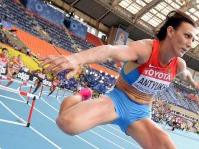 Hai nhà vô địch Olympic Nga thoát việc bị tước HCV ra sao?