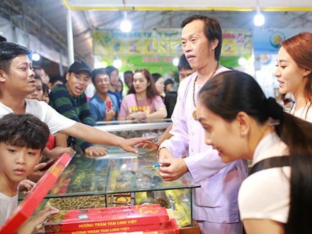 """Nguồn thu giúp Hoài Linh kiếm tiền giàu có """"khủng khiếp"""", xây đền thờ 100 tỷ"""