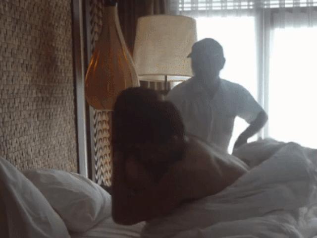 Những cảnh nóng táo bạo nhất của siêu mẫu quê Lạng Sơn lấy vợ đại gia, mê golf quên đóng phim