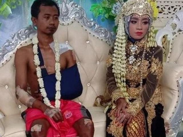 Bất ngờ gặp tai nạn, chú rể vẫn gắng gượng xuất hiện tại đám cưới, nhìn bộ dạng ai cũng xúc động