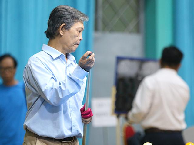 """Lão tướng 62 tuổi """"làm mưa làm gió"""" tại giải bi-a khắc nghiệt nhất VN"""