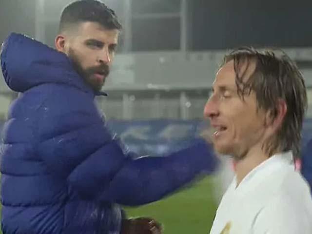 """Dàn sao Real - Barca suýt """"loạn"""", Modric - Pique từ bạn thành thù chớp nhoáng"""