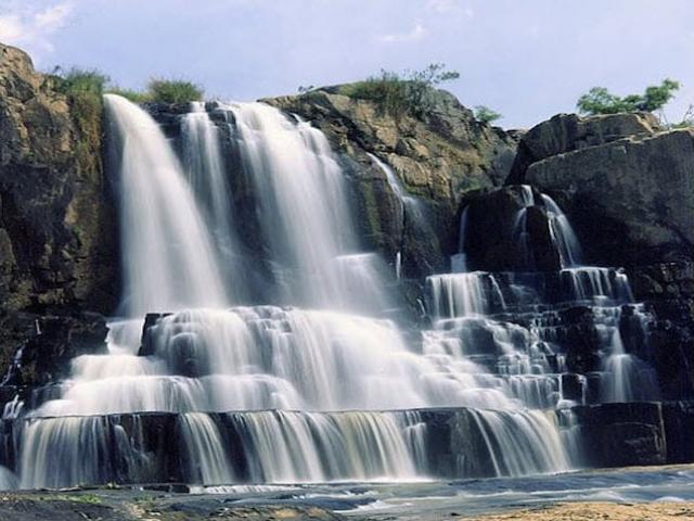 Ngọn thác nào gắn liền với truyền thuyết về chàng Rốc và nàng H'Li?