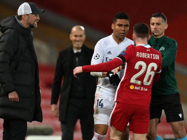 """Zidane bị nghi """"cười đểu"""" Liverpool, xúi SAO Real chơi xấu ở tứ kết cúp C1"""
