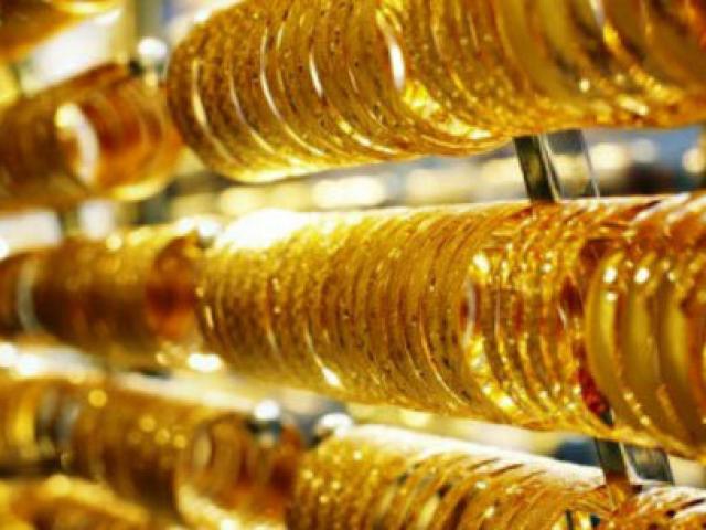 """Giá vàng hôm nay 17/4: Tăng """"như vũ bão"""", vọt đỉnh của hơn một tháng"""