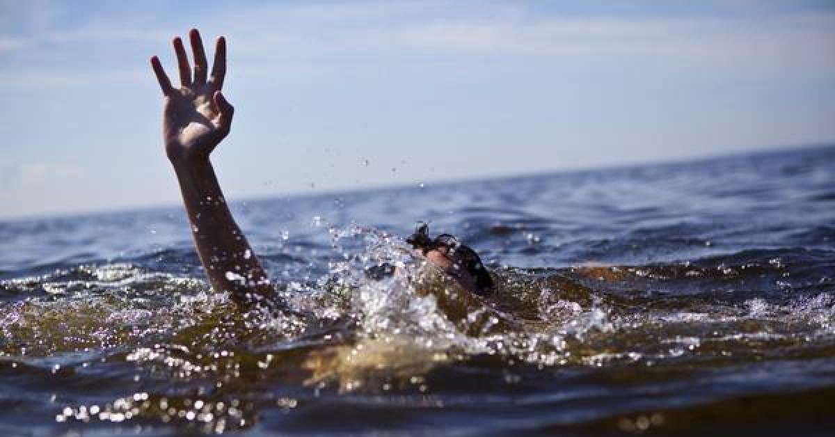 Dũng cảm lao xuống sông cứu em nhỏ, nam sinh lớp 7 bị dòng nước cuốn trôi