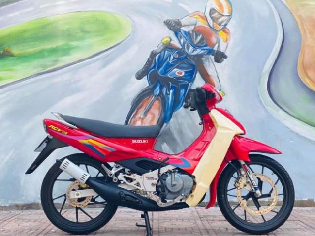 """Suzuki Xì po với mác """"xe kẻ cướp"""" và ác mộng đường phố một thời"""