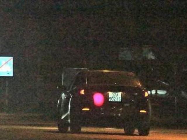 Truy tìm tài xế ô tô tông CSGT nhập viện rồi bỏ trốn