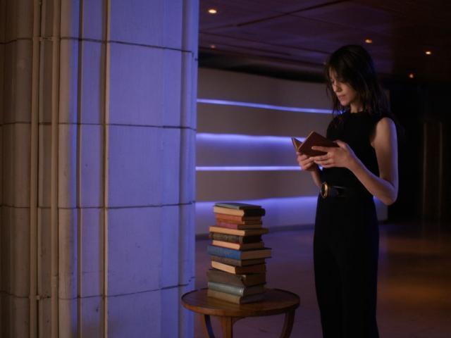 Saint Laurent lấy cảm hứng từ điện ảnh Pháp cho bộ sưu tập mới nhất 2021