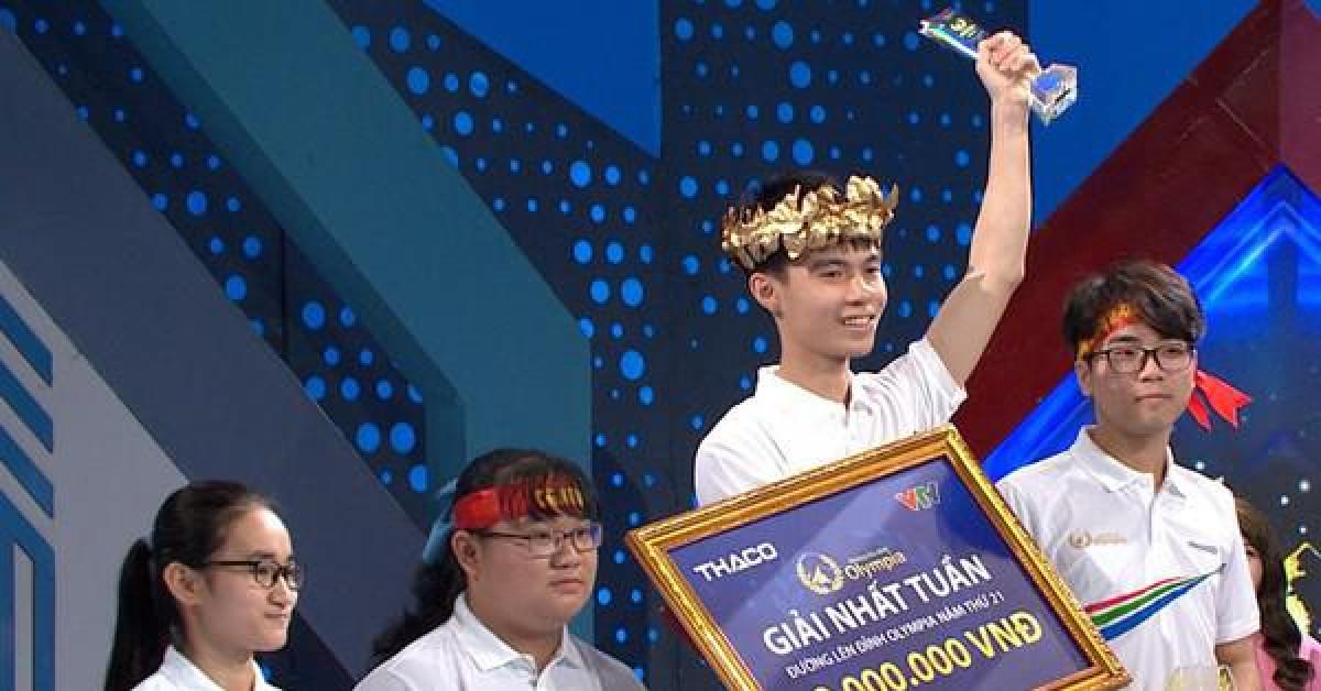 Nam sinh Nghệ An thắng tuyệt đối với số điểm cao 390, giành vòng nguyệt quế Olympia