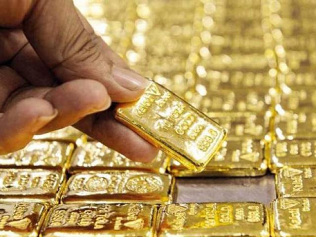 Giá vàng hôm nay 26/4: Chờ cơ hội để tăng vọt?