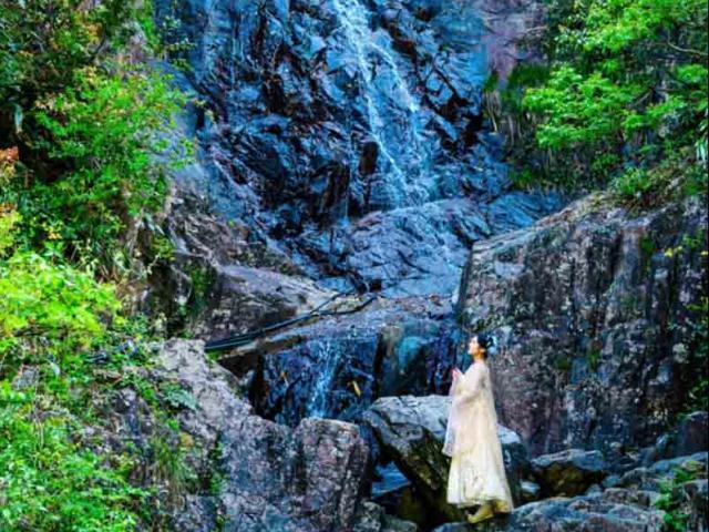 """Hẻm núi được mệnh danh """"bí ẩn địa lý thế giới"""", cảnh vật yên bình, đẹp xuất sắc"""