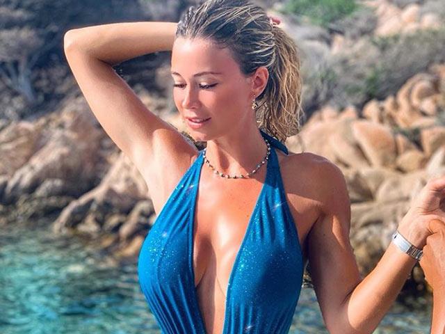 """Nữ phóng viên tuyệt đẹp si mê Ronaldo, khiến cả Serie A """"đổ gục"""" vì quá xinh"""