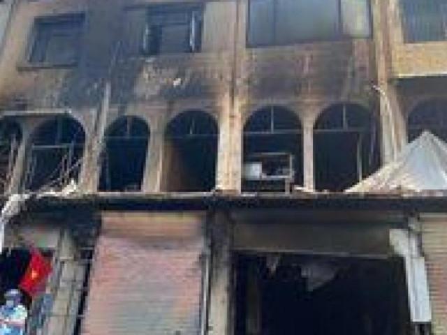 TP.HCM: Cháy lớn tại chung cư, 1 người nhảy lầu, 6 người bị thương