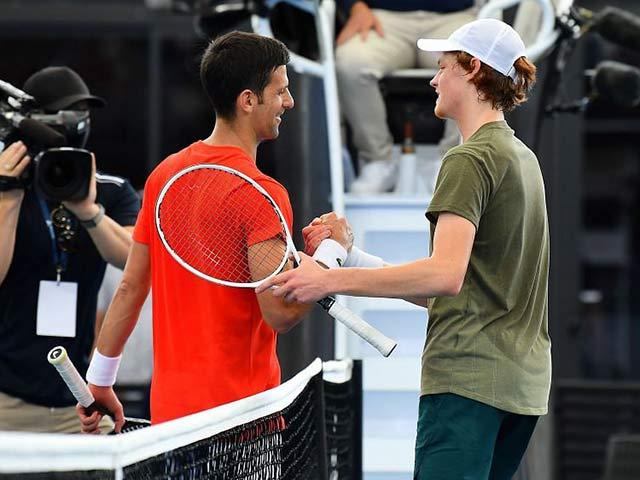 """Nóng nhất thể thao tối 1/5: """"Sinner thi đấu giống Djokovic"""""""