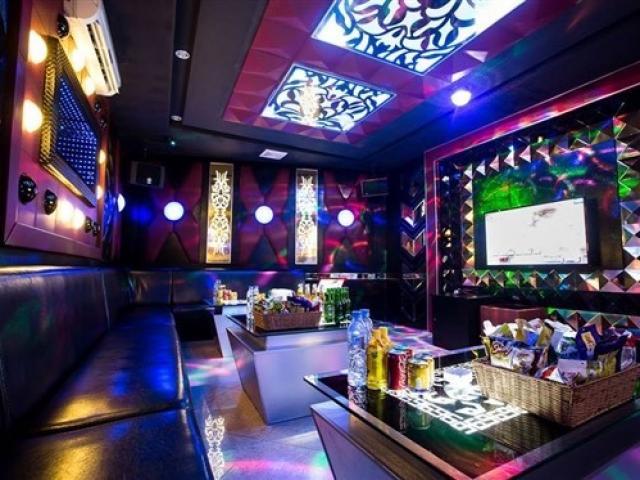 Từ 12 giờ trưa nay, Thừa Thiên Huế tạm dừng dịch vụ karaoke, quán bar