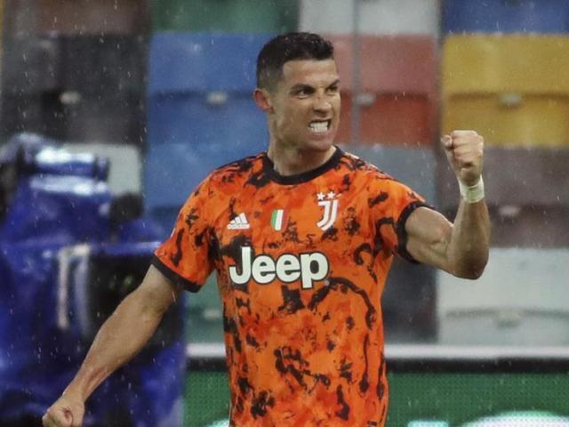 Ronaldo bị lộ chuyển đến CLB mới cực sốc, MU và PSG ngã ngửa