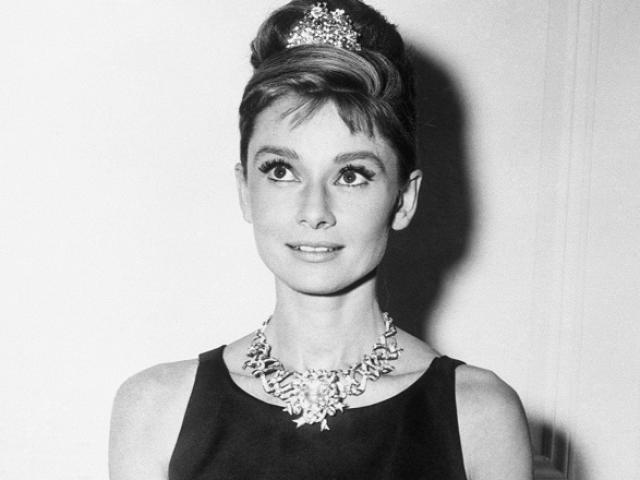 Audrey Hepburn và huyền thoại chiếc váy đen nhỏ