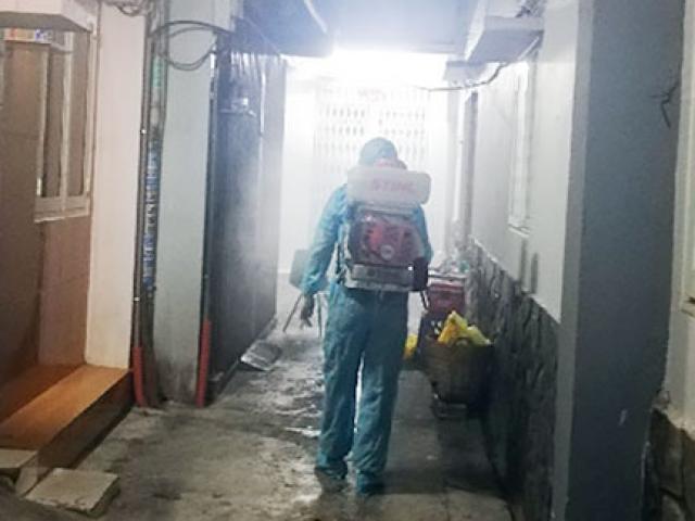 Từ TP.HCM sang Campuchia, 2 người dương tính với SARS-CoV-2 qua test nhanh