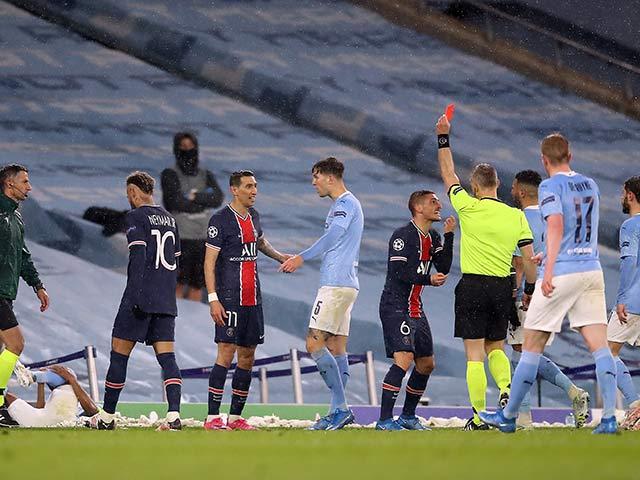 PSG thua Man City mang tiếng: Cay cú bỏ bóng đá người, đáng phải ăn 4 thẻ đỏ