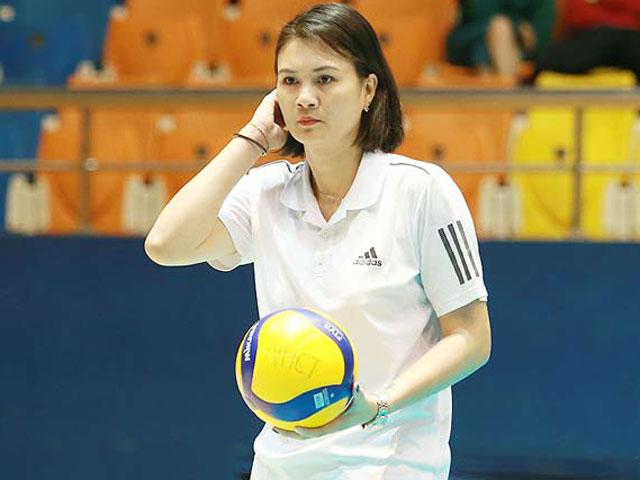Hoa khôi bóng chuyền Kim Huệ bị cảnh cáo: Họp căng thẳng 3 tiếng vẫn chưa xong