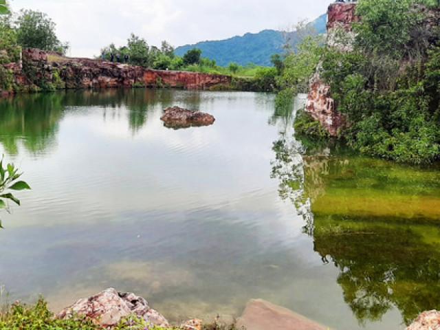 """Xanh biếc hồ Tà Pạ - """"tuyệt tình cốc"""" của miền Tây"""