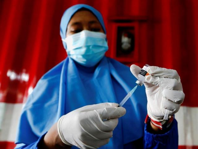 Vaccine TQ không thể buộc Indonesia 'hạ giọng' về Biển Đông