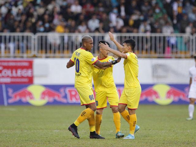 Hàng loạt cầu thủ SLNA là F2 Covid-19 phải tự cách ly, Hà Nội FC lo lắng
