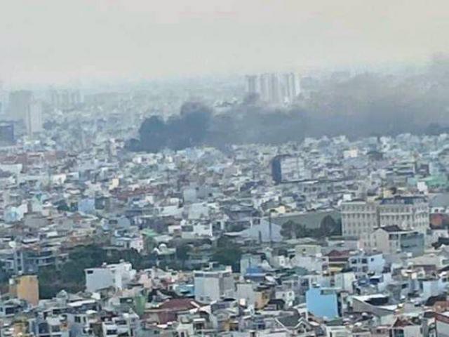 TP.HCM: Cháy dữ dội ở quận 11, 8 người tử vong