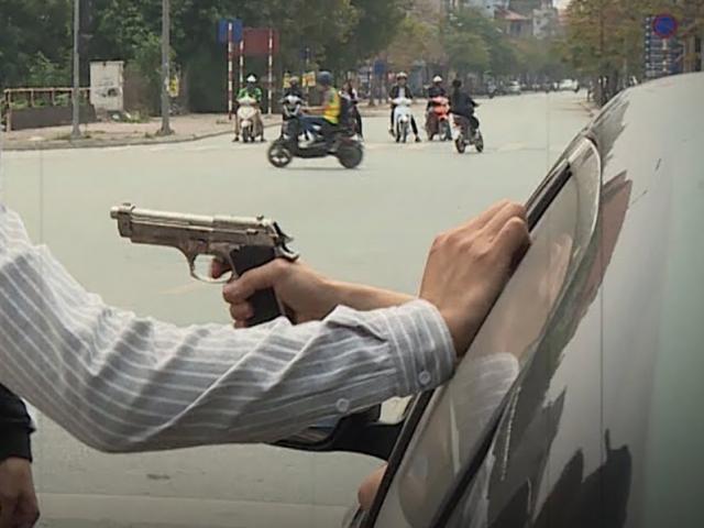 Sở thích quái gở của gã đàn ông dùng súng ngắm bắn người trên phố
