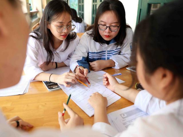 Hơn 1 triệu thí sinh đăng ký dự thi tốt nghiệp THPT, có thí sinh đăng ký 99 nguyện vọng