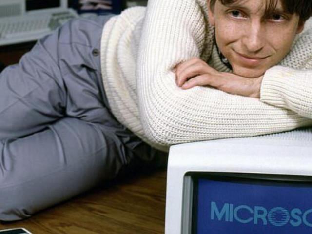 Bill Gates từng là tay chơi, tổ chức tiệc thoát y, thuê vũ nữ khỏa thân
