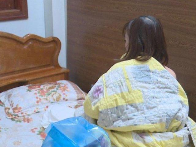 Hai cô gái thuê phòng tại nhà nghỉ để hoạt động mại dâm