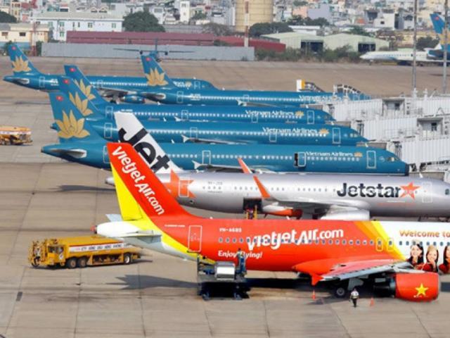 Điêu đứng vì Covid-19 bùng phát, các hãng hàng không làm gì để có tiền?