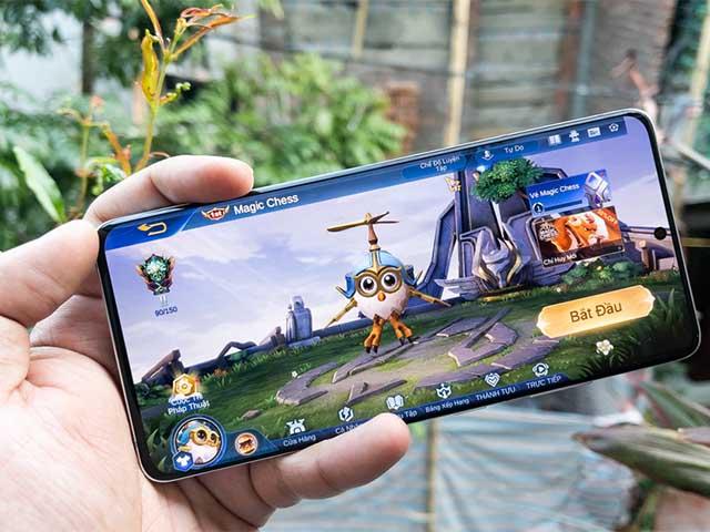 """Top điện thoại RAM """"khủng"""", chơi game bất bại nửa đầu 2021"""