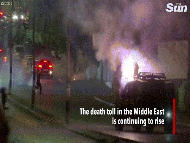 Chùm ảnh: Dải Gaza hỗn loạn sau các đợt nã rocket qua lại giữa Israel và Hamas