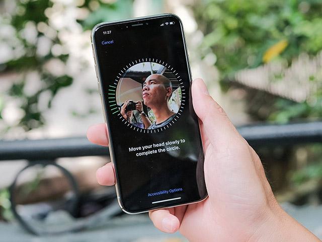 iPhone lén lút chụp ảnh chủ nhân, người dùng có nên lo lắng?