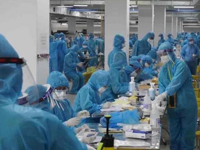 Hà Nội xét nghiệm hơn 6.000 mẫu từ Bắc Giang để sàng lọc SARS-CoV-2
