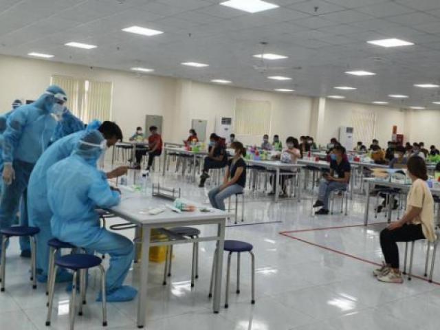 Bắc Giang: Hỏa tốc xét nghiệm ổ dịch ở Hosiden, xin hỗ trợ gấp giường bệnh