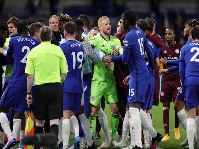 Chelsea hạ Leicester lên top 3: 30 cầu thủ loạn đả phút bù giờ, nguy cơ phạt nặng