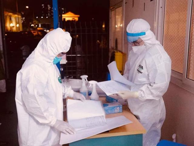 Hà Nội thêm 2 ca dương tính với SARS-CoV-2, trong đó 1 người từng ăn tối cùng nguyên Giám đốc Hacinco