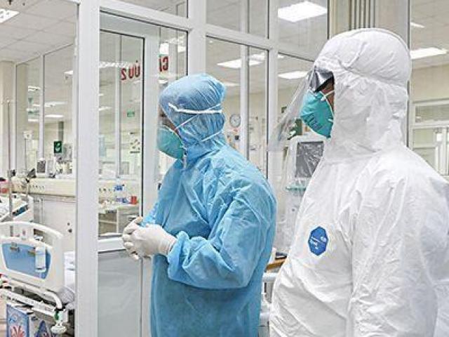 """Tin """"đặc biệt"""" về thai phụ Hà Nội mắc COVID-19 phải thở máy, từng xem xét đặt ECMO"""