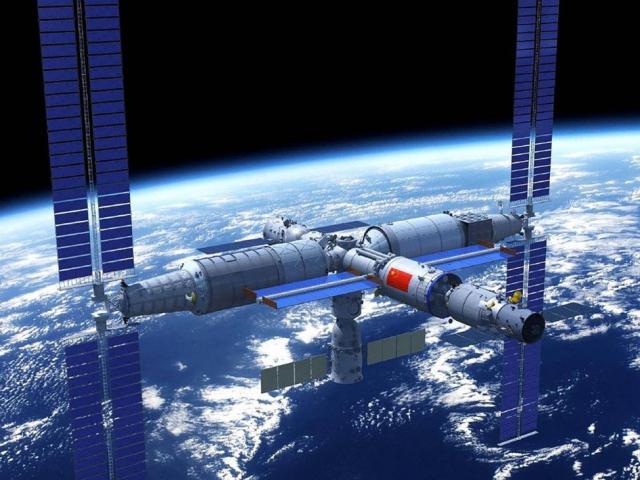 Vì sao Mỹ lo ngại cánh tay robot nâng được 20 tấn của TQ ngoài vũ trụ?