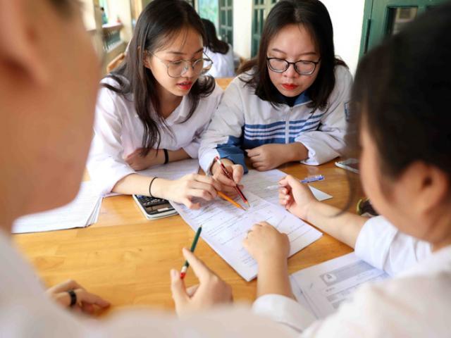 Bộ GD&ĐT: Cố gắng tổ chức kỳ thi tốt nghiệp THPT đúng lịch, tổ chức thi đợt 2