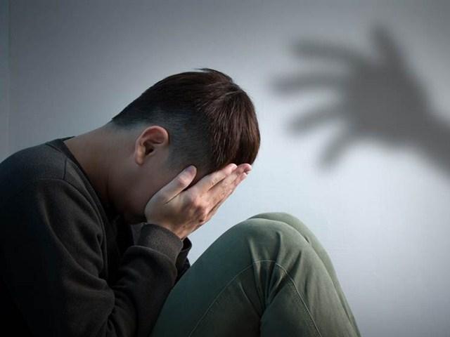 Đang ân ái mặn nồng, người đàn ông sốc khi phát hiện đối phương không phải là vợ